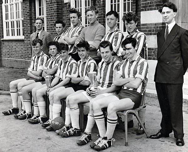 1959-Football-Team-2
