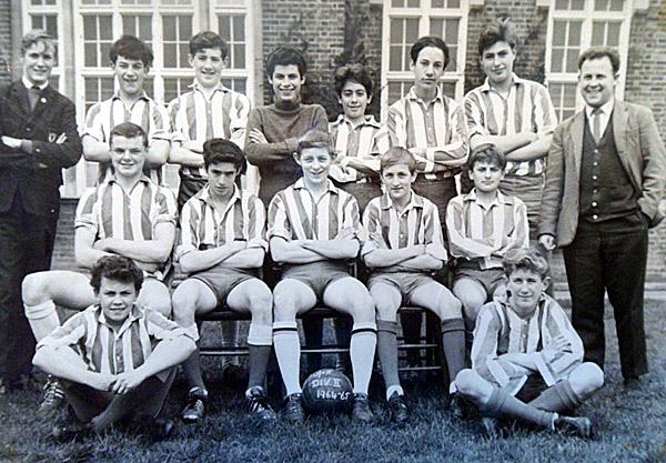 1964-65-Football-Team